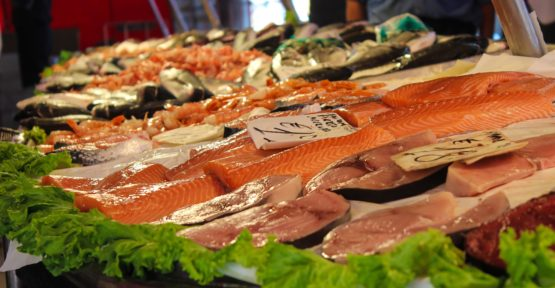 How To Shop For & Order Fish In Restaurants: A Doctor Explains